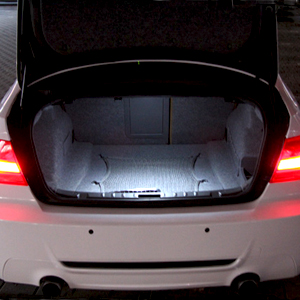 ampoule multi led clairage coffre bagages pour bmw s rie 1 e81 e82 e87 e88 boutique www. Black Bedroom Furniture Sets. Home Design Ideas